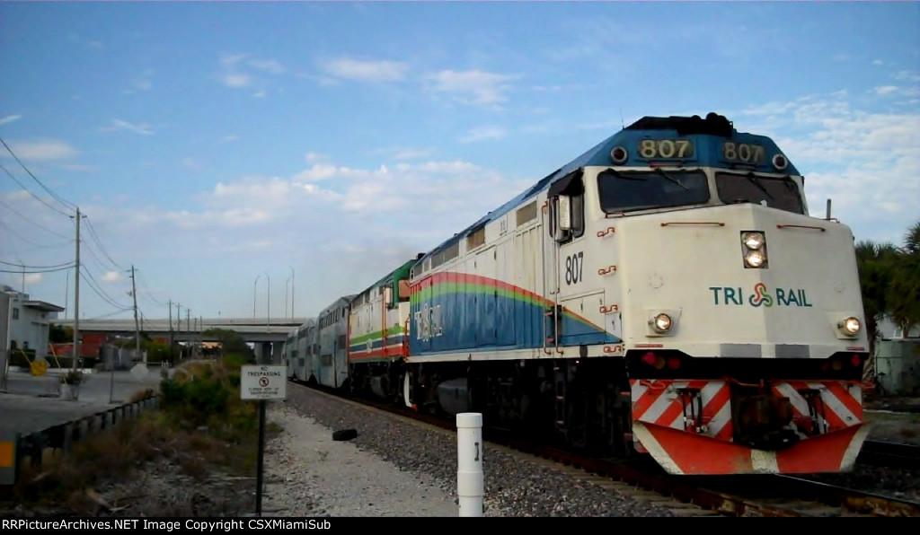 Tri-Rail P671
