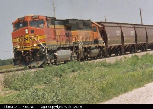 BNSF 4927 & BNSF 6954