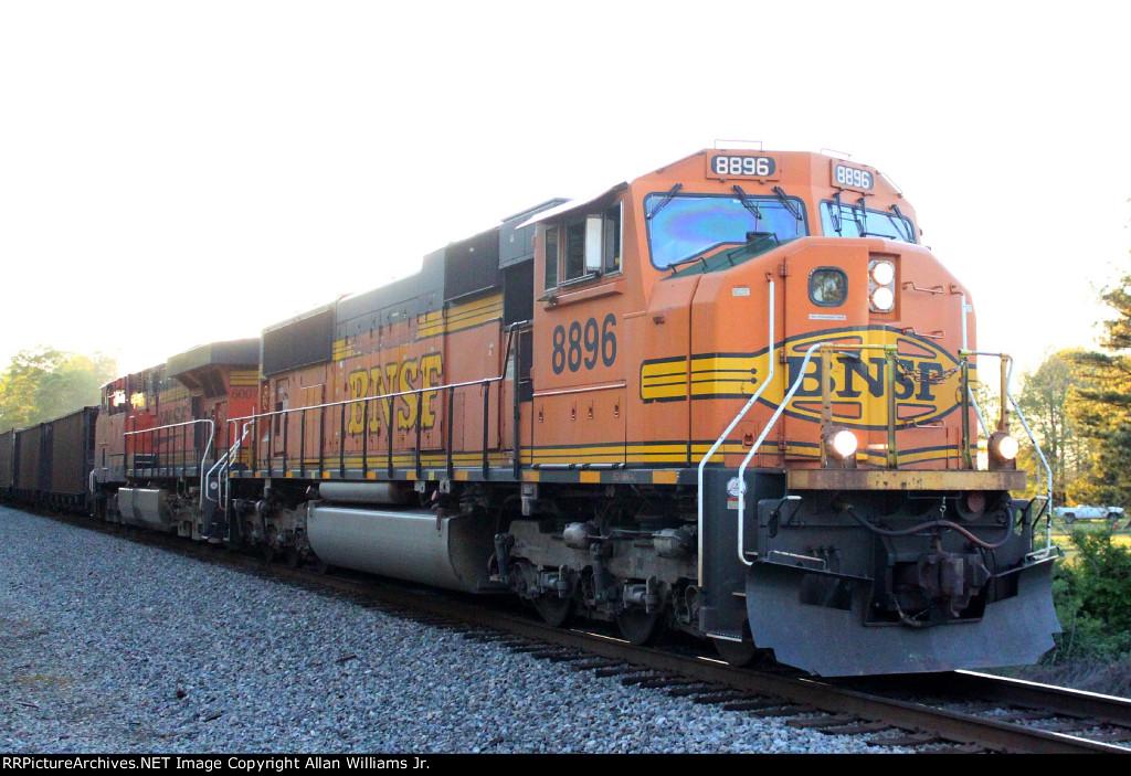 BNSF 8896