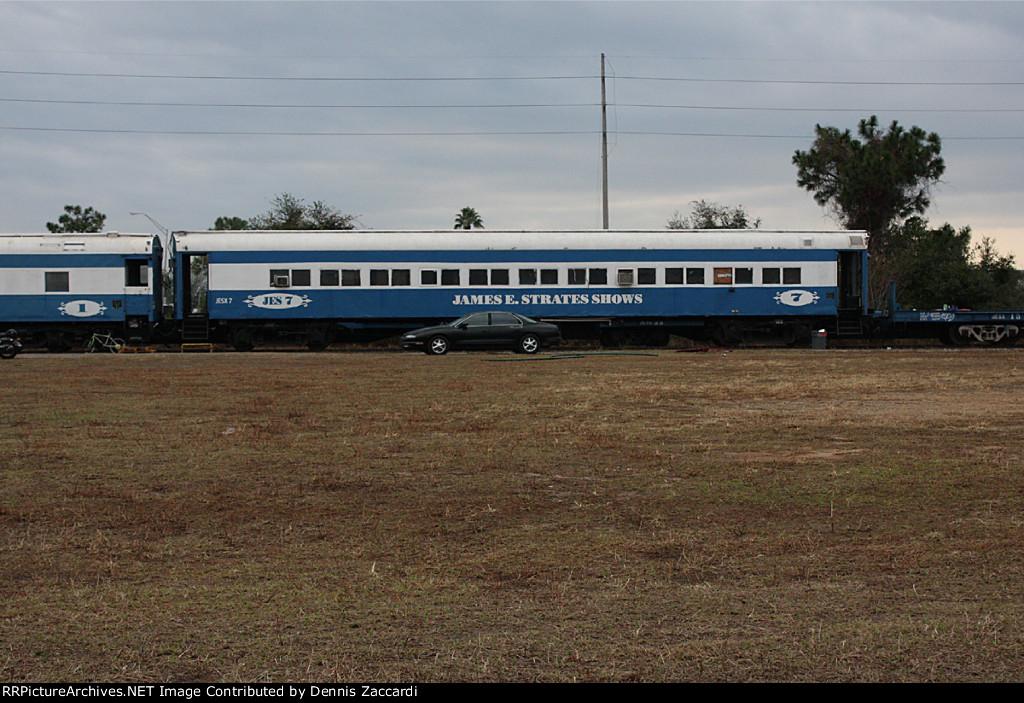 Strates Carnival Train