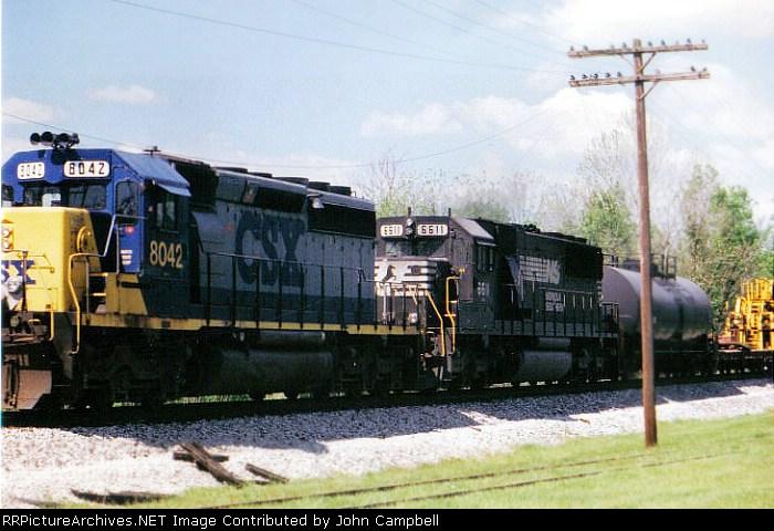 Q687-18 at Fogg behind CSX 8042, NS 6611