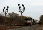 144 rolls past the NYC tri-light signals at 417.2