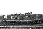 CN 1912