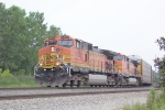 BNSF 4305 (Q255) heading south thru Gilstrap