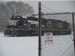 NS 5278 and CSX 6129 sitting in Ann St yard