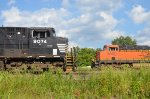 NS #9074 And BNSF #6352