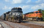 NS #9074 And BNSF #6118
