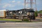 NS 285 Waits For Amtrak