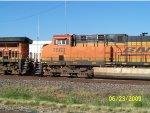 BNSF ES44DC 7563