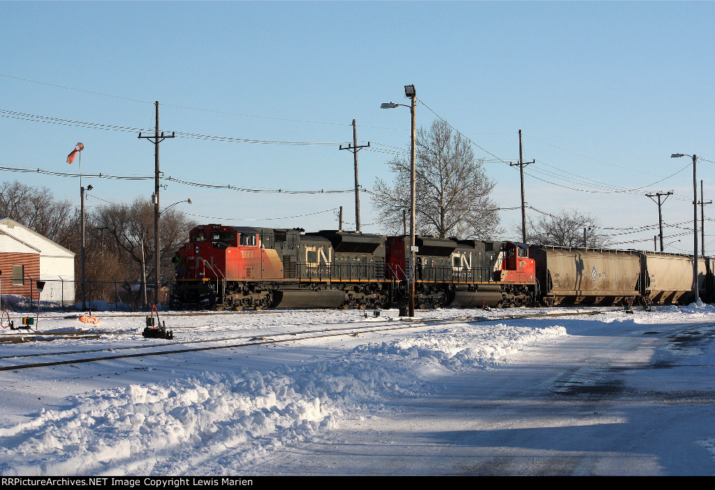 CN 8804, CN A43171-02 arrives in the CN Decatur Yard