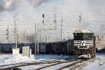 NS 2700, westbound NS train D2M