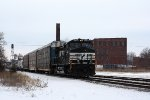 NS 9528, eastbound NS 302