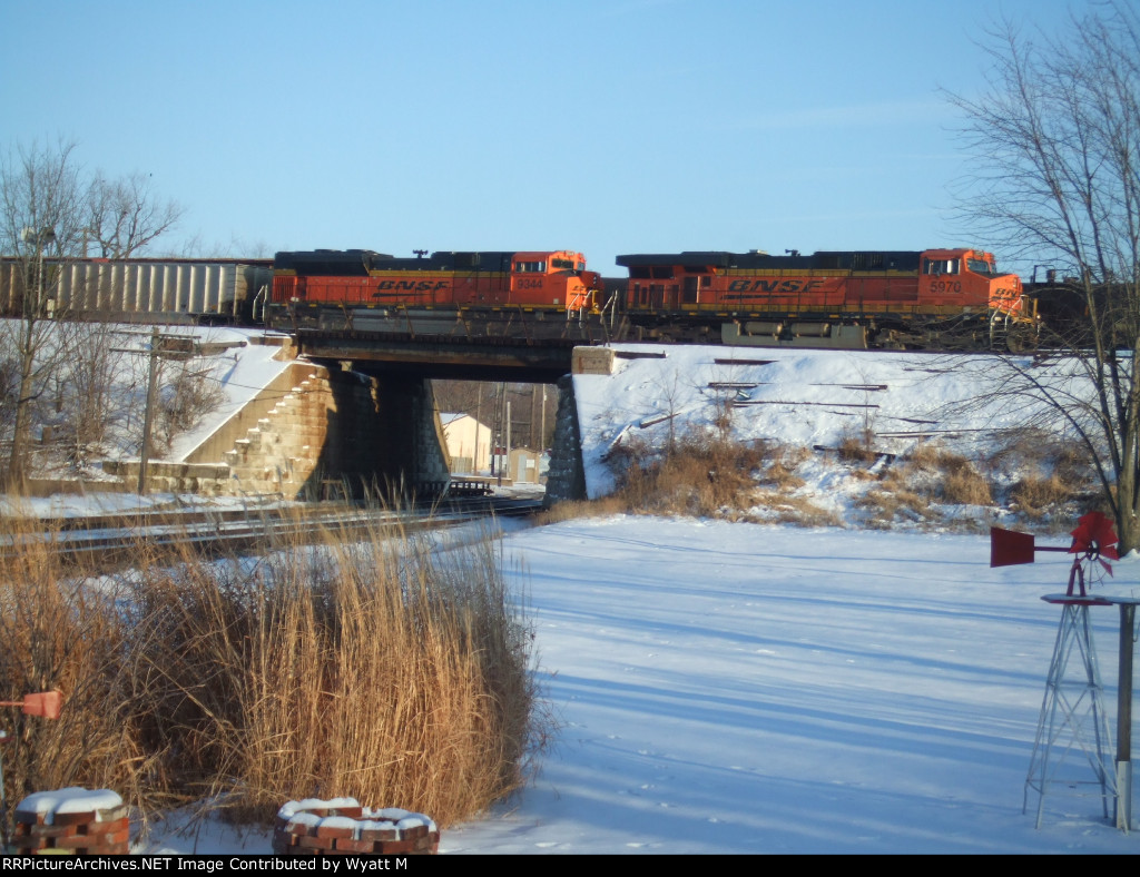 BNSF 5970 and 9344