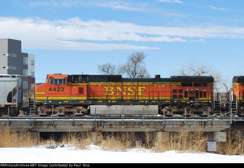 BNSF 4423