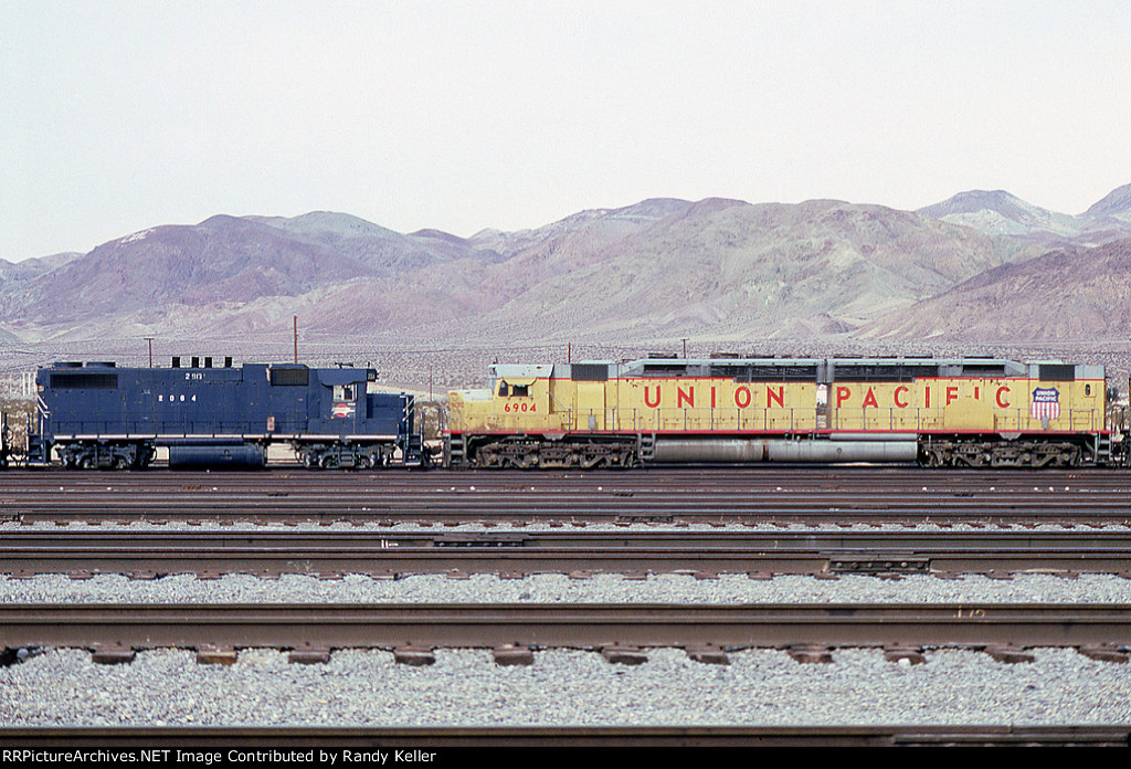 MP 2064 and UP 6904