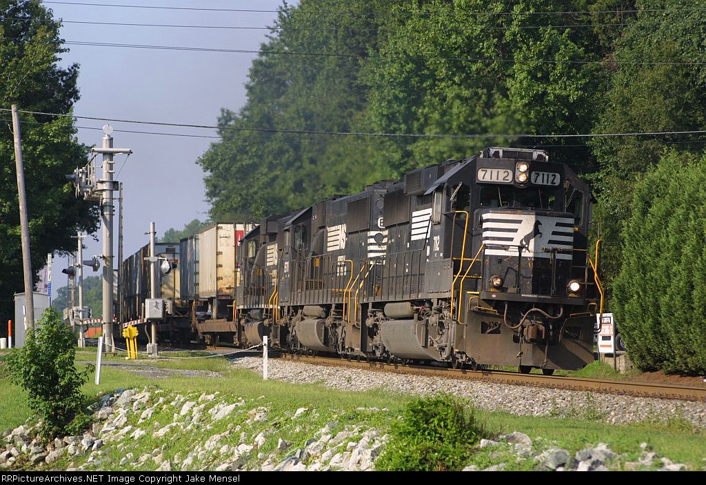NS 24T at Hilltop Road