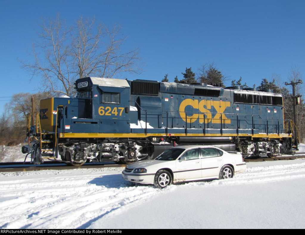 CSX 6247 as the B791 local rolls east at CP 382