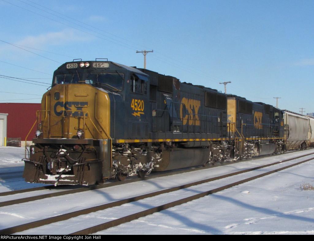 CSX 4520 & 4586