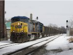 After sitting at Fox for two days, CSX 256 leads N909-09 into town