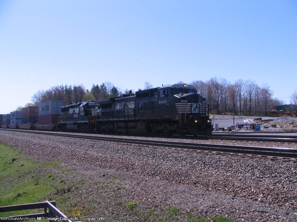 NS 5828 & 8444 (ex-CR 6273)