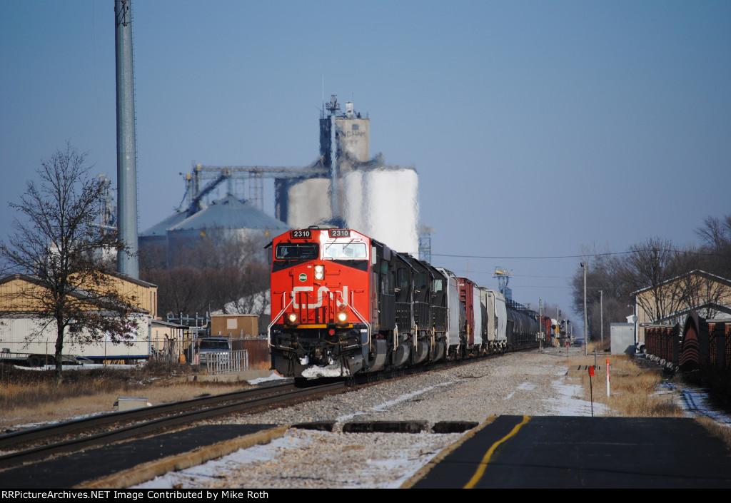 CN 2310 and three IC blackies go south with train M336.