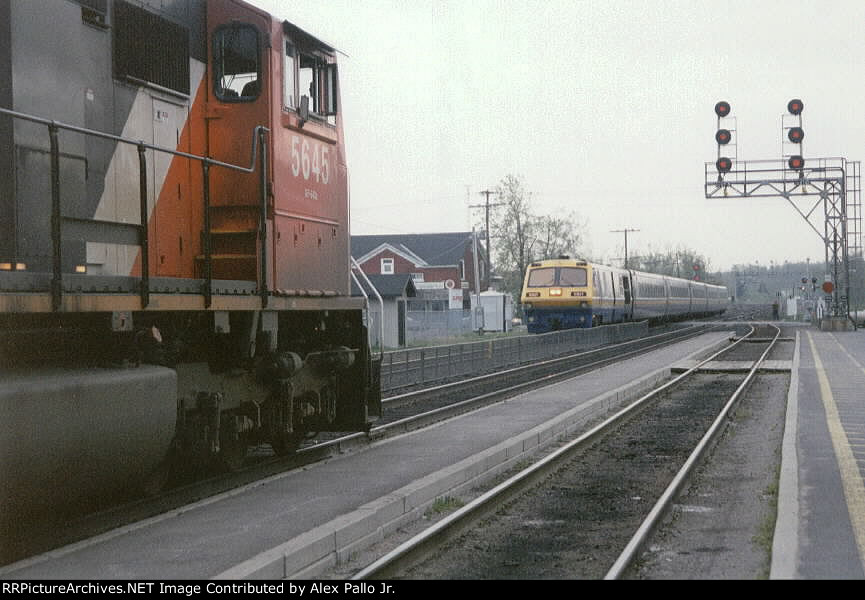 Never to be repeated again - VIA LRC Meets CN SD75I