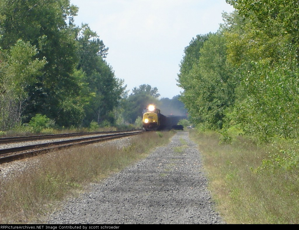 CSX 752 leads an EB V-Train past the Trestle and coming up to me at the Erie Canal Bridge