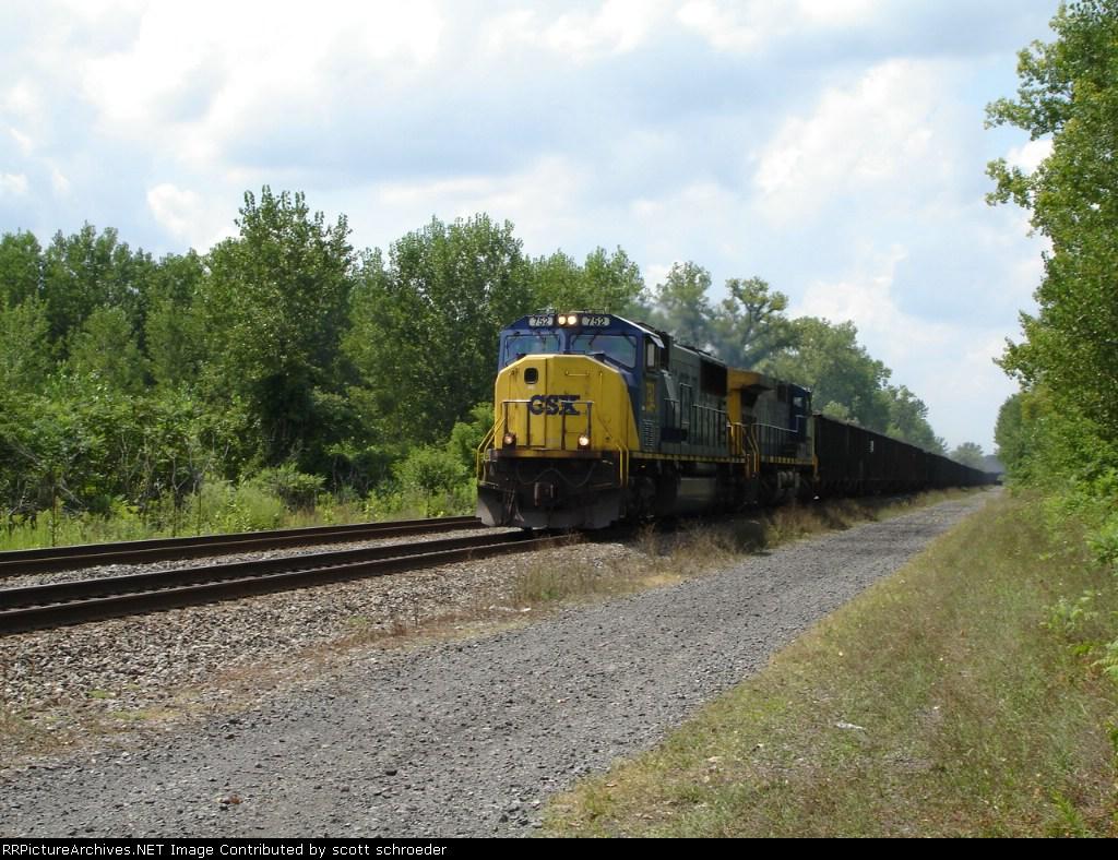 CSX 752 & CSX 310 work an EB V-Train on the #1 Track