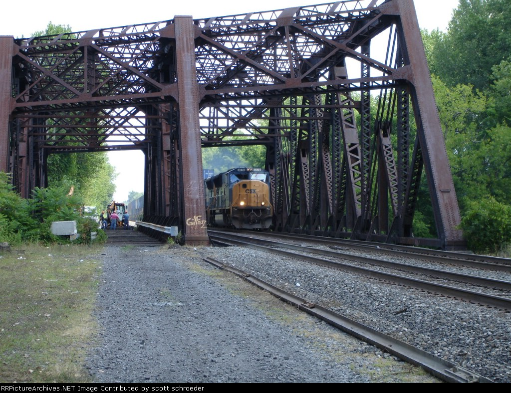 Two SD70MAC's cross the Erie Canal Bridge WB on the #2 Track
