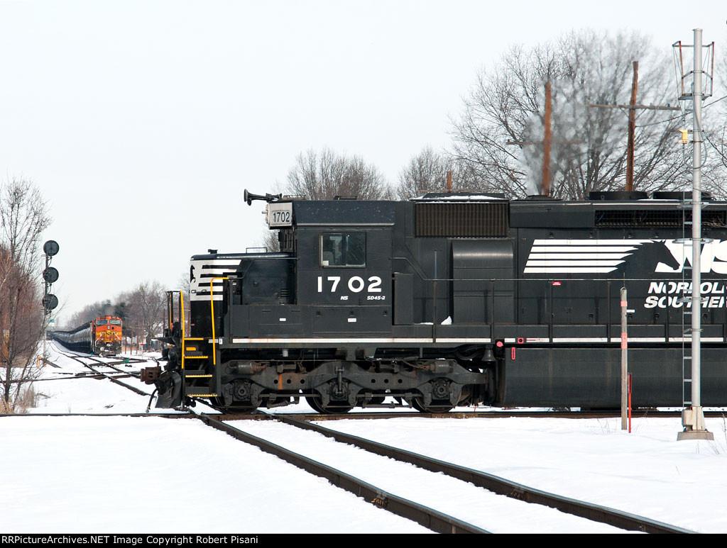 NS 1702