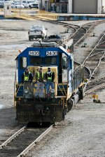 CSX workers begin work in yard with remote controlled SD40-2