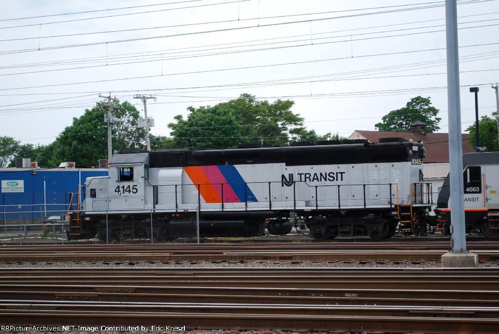 NJT 4145 on track 10