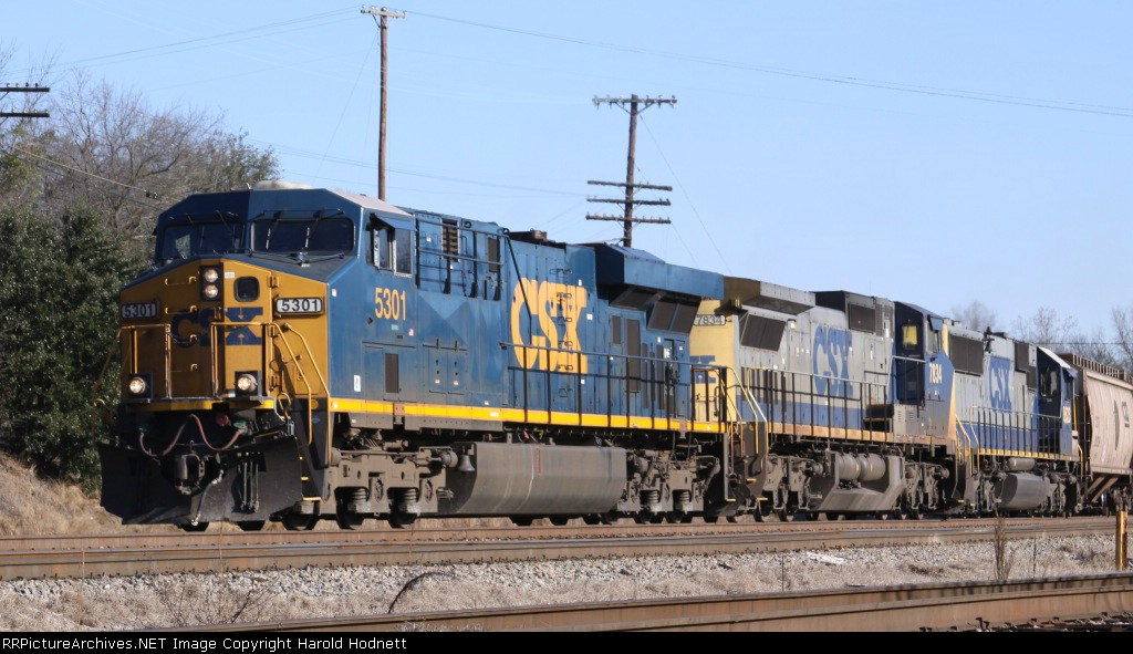 CSX 5301 leads train F767 down the westbound lead