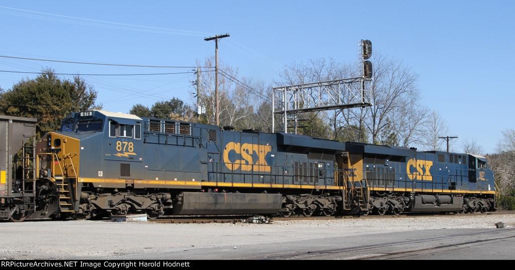 CSX 878 & 927 back train U341-04 out of the yard