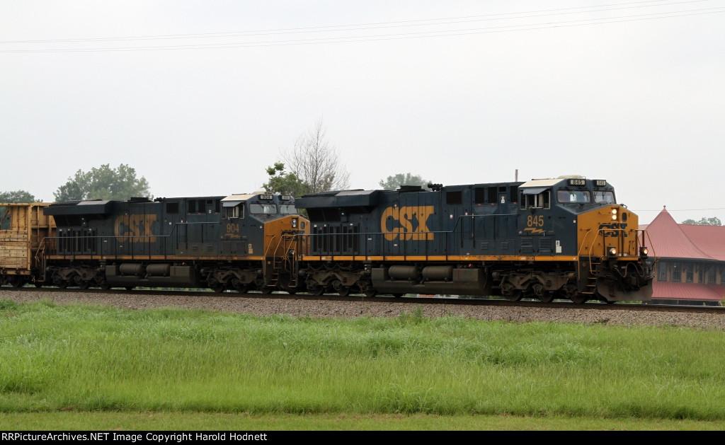 CSX 845 leads train Q471-04 towards the yard
