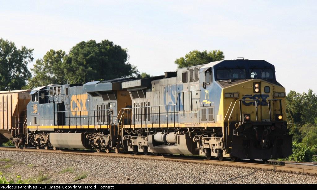 CSX 71 leads train Q471 towards the yard