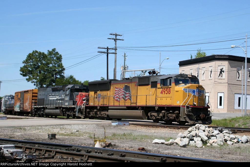 UP 4958 leads a CSX train across Hamlet Avenue
