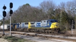 CSX 523 leads train Q676 towards the yard