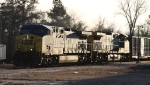 CSX 461 & 323 hit the diamonds with train Q464