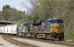 CSX 5478 leads train S614-22 towards the yard