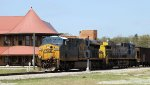 CSX 788 leads train U376-19 across the diamonds