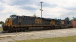 CSX 826 & 617 lead train Q464-20 towards the yard