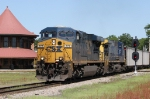 CSX 777 leads train U339-25 across the diamonds