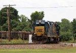 CSX 2312 leads train F015-27 towards the yard