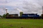 CSX 8177 & CR 6464 lead a train towards the yard