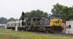 CSX 420 leads train Q699-13 out of Hamlet Yard