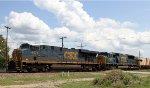 CSX 5471 leads train Q439-20 towards the yard