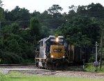 CSX 8540 leads train Q614-20 towards the yard