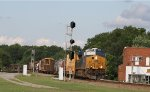 CSX 3090 leads train Q485-22 out of the yard