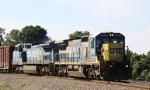 CSX 7581 leads train Q493-03 towards the yard